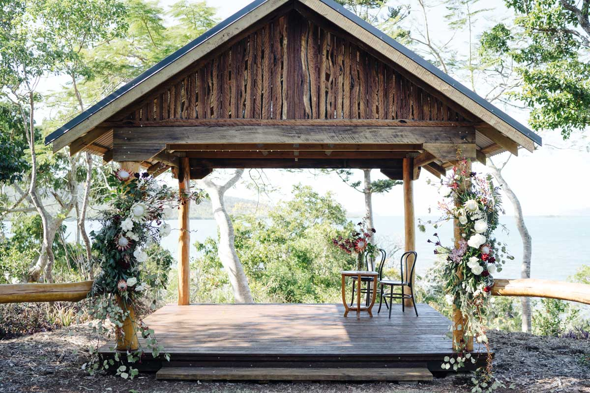Earlando ceremony pavilion with floral features